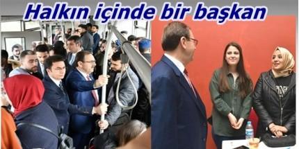 Zihni Şahin Otobüsle OMÜ'ye Gitti Öğrencilerle Buluştu