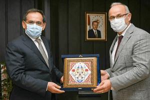 Başkan Demirden OMÜ Rektörü Ünal'a Tebrik Ziyareti