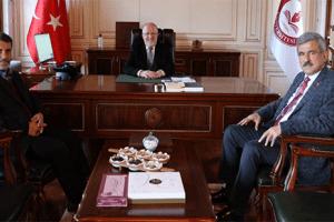 Başkan İbrahim Sadık Edis'ten Rektör Aydın'a Ziyaret