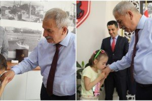 Başkan Demirtaş Çocukları Sevindirdi