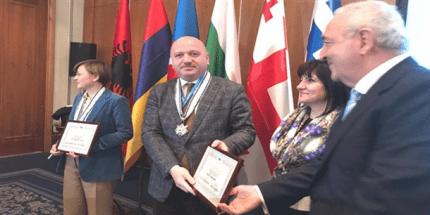 Metin Gündoğdu'ya Onur Madalyası