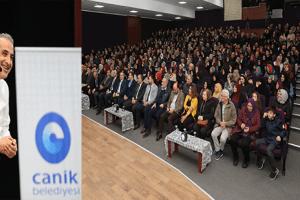 """Canik'te """"Hikâyelerle Anadolu İrfanı"""" Konferansı Gerçekleştirildi"""