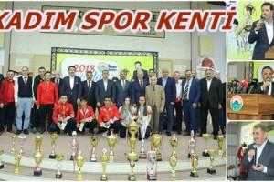 """İlkadımda """"2018 Yılı Spor Ödülleri"""" Sahiplerini Buldu"""