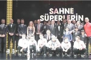 Futbolun Süperleri Ödüllerini Aldı