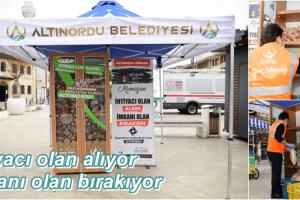 """Altınordu Belediyesi """"Askıda Ekmek"""" Geleneğini Yeniden Canlandırdı"""