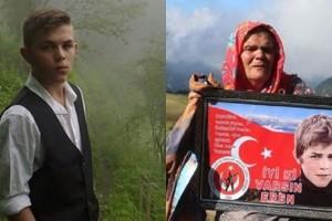 """Samsun Yazarlar Derneği Eren Bülbül'ün Annesini """"Yılın Annesi"""" Seçti"""