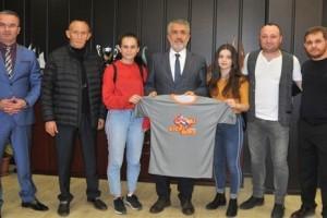 Yaşar Doğu Spor Bilimleri Fakültesi Türkiye'nin İsmini Dünyada Duyurdu