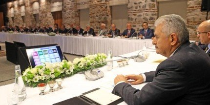 Başbakan Yıldırım, İş Dünyası Temsilcileriyle Bir Araya Geldi