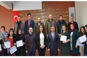 Uygulamalı Girişimcilik Kursu Katılımcıları Sertifikalarını Aldı