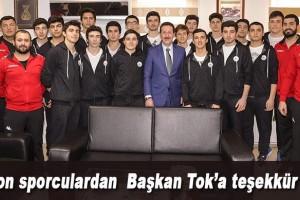 Şampiyon Öğrencilerden Başkan Tok'a Teşekkür Ziyareti