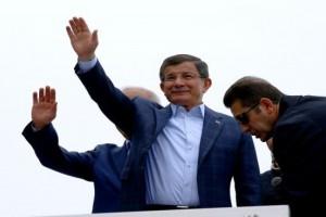 Başbakan Davutoğlu, Konya'da Hemşehrileriyle Buluştu
