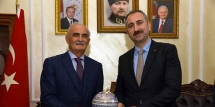 Başkan Yılmaz Adalet Bakanı Gül'ü Ağırladı