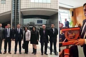 Başkan Osman Genç, Ödülünü Aldı