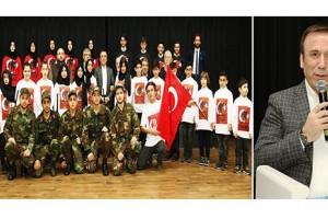 Türk ve Muhacir Çocuklar El Ele Zaferi Kutladı