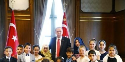 Cumhurbaşkanı Erdoğan, 23 Nisan Çocuklarını Kabul Etti