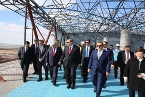 Cumhurbaşkanı Erdoğan, 3. Havalimanı İnşaatında İncelemelerde Bulundu