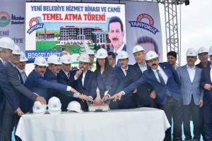 İlkadım Belediyesi Yeni Hizmet Binası ve Camii Temel Atma Töreni Gerçekleştirildi