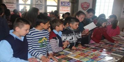 Kavak Çocuk Kitapları Fuarı Açıldı