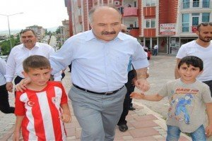 """Erhan Usta; """"MHP, Ülkenin Menfaatini Düşünen Bir Siyasi Partidir"""""""