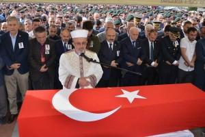 Şehit Polis Memuru Mesut Yılmaz Son Yolculuğuna Uğurlandı