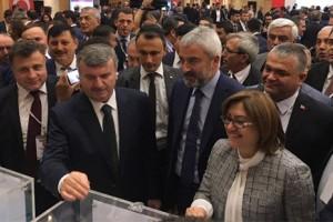 Türkiye Belediyeler Birliği Başkanlığına Tahir Akyürek Seçildi