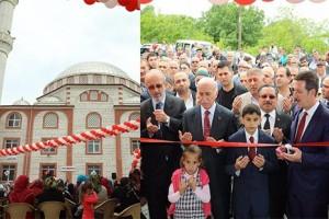 55 Metrelik Minaresiyle Görkemli Cami İbadete Açıldı