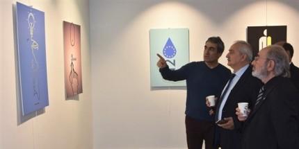 Akademisyen Tarık Yazar'dan Farklı Tematik Afiş Tasarımları Sergisi
