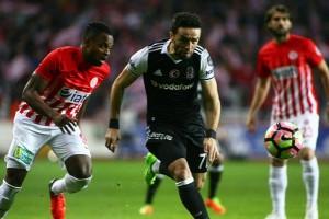 Beşiktaş Antalya'da 1 Puana Razı Oldu