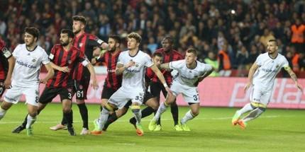 Fenerbahçe Galibiyete Hasret