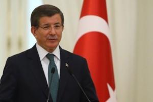 Başbakan Davutoğlu, Beşiktaş'ı Tebrik Etti