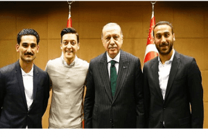 Cumhurbaşkanı Erdoğan, Premier Lig'de Oynayan Türk Futbolcuları Kabul Etti