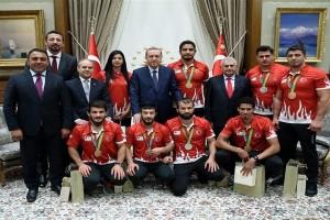 Cumhurbaşkanı Erdoğan, Rio Olimpiyatlarında Madalya Kazanan Sporcuları Kabul Etti