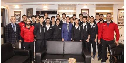 Şampiyon Sporculardan Başkan Tok'a Teşekkür Ziyareti