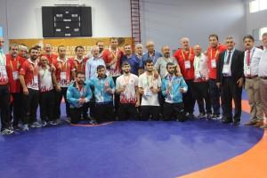 Dünya ve Olimpiyat Şampiyonları Kavak'tan