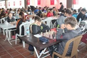 Lovelet Outlet'te Cumhuriyet Satranç Turnuvası