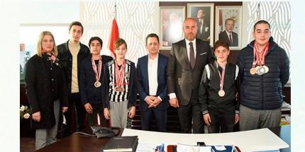 Başkan Togar Şampiyon Öğrencileri Ağırladı