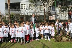 Atakum'da Parklara Meyve Ağacı Dikildi